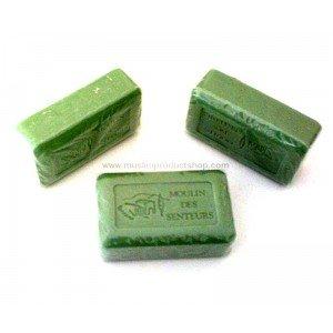 Choisir le bon savon pour protéger son corps savon-vegetal-a-l-huile-d-olive